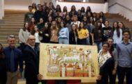"""Gli studenti del Medi realizzano il dipinto """"Verona rateriana"""" e lo donano all'ateneo veronese"""