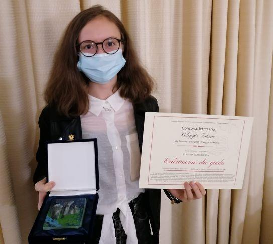 Costanza Capobianco (3^ B) prima classificata al Concorso Letterario di Poesia